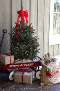 Magnificient Christmas Front Porch Decor Ideas To Try Asap 13
