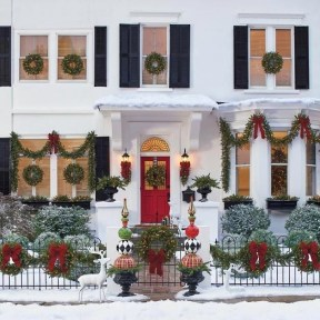 Magnificient Christmas Front Porch Decor Ideas To Try Asap 19