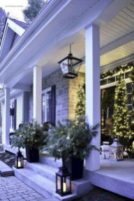Magnificient Christmas Front Porch Decor Ideas To Try Asap 21