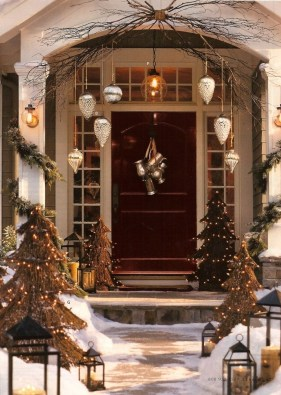 Magnificient Christmas Front Porch Decor Ideas To Try Asap 45