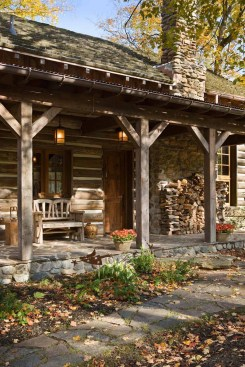 Affordable Small Log Cabin Ideas With Awesome Decoration 35