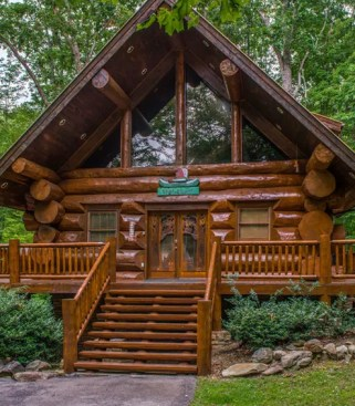 Affordable Small Log Cabin Ideas With Awesome Decoration 36