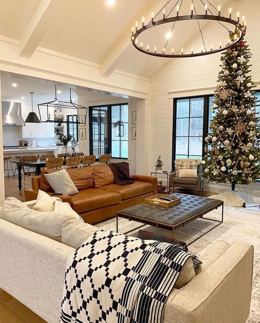 Attractive Family Room Designs Ideas That Will Inspire You 07