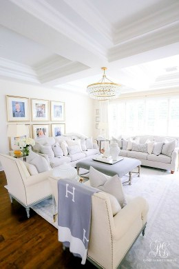 Attractive Family Room Designs Ideas That Will Inspire You 26