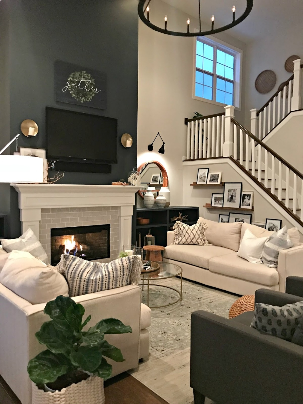 Attractive Family Room Designs Ideas That Will Inspire You 33