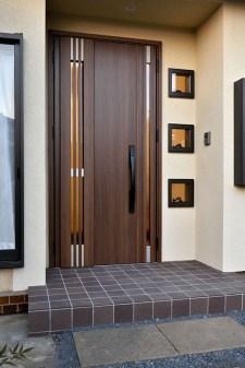 Best Wooden Door Design Ideas To Try Right Now 19