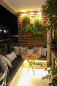 Comfy Apartment Balcony Decorating Ideas That Looks Awesome 02