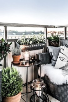 Comfy Apartment Balcony Decorating Ideas That Looks Awesome 23