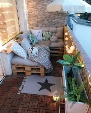Comfy Apartment Balcony Decorating Ideas That Looks Awesome 36
