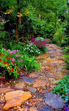Delicate Garden Landscaping Design Ideas Using Rocks Stone To Try 04
