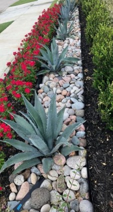 Delicate Garden Landscaping Design Ideas Using Rocks Stone To Try 35