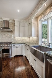 Elegant Farmhouse Kitchen Cabinet Makeover Design Ideas That Very Cozy 47