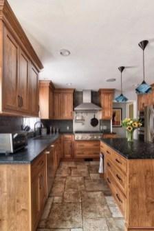 Elegant Farmhouse Kitchen Cabinet Makeover Design Ideas That Very Cozy 50