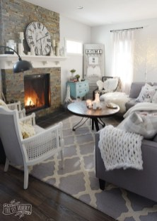Excellent Living Room Decoration Ideas For Winter Season That Look More Cool 05