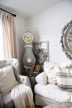 Excellent Living Room Decoration Ideas For Winter Season That Look More Cool 06