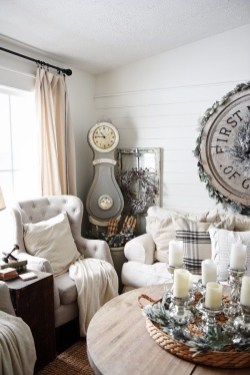 Excellent Living Room Decoration Ideas For Winter Season That Look More Cool 15