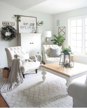 Excellent Living Room Decoration Ideas For Winter Season That Look More Cool 25