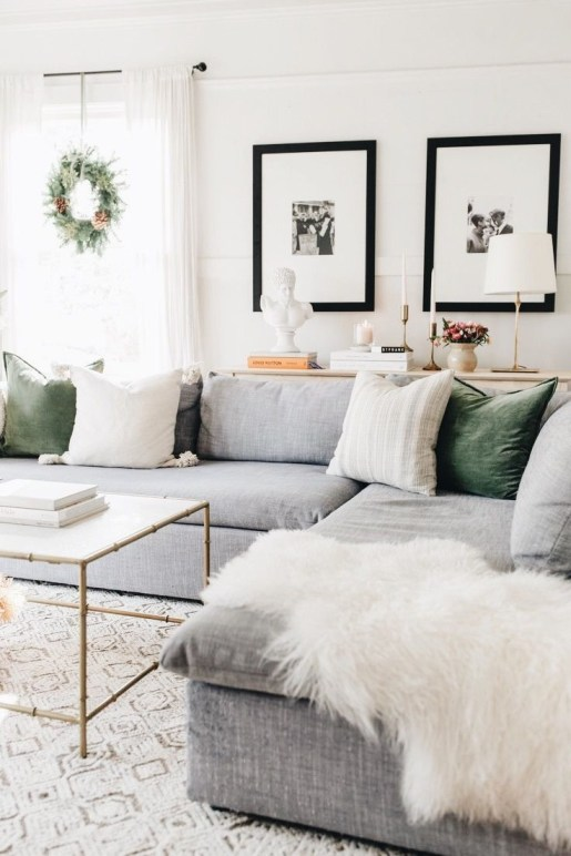 Excellent Living Room Decoration Ideas For Winter Season That Look More Cool 49