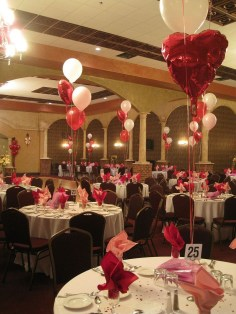 Lovely Valentines Day Table Centerpieces Ideas To Try Asap 39