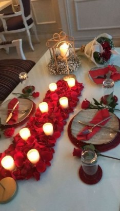Lovely Valentines Day Table Centerpieces Ideas To Try Asap 44