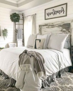Pretty Farmhouse Master Bedroom Ideas To Try Asap 02