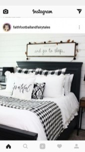 Pretty Farmhouse Master Bedroom Ideas To Try Asap 29
