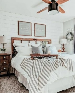 Pretty Farmhouse Master Bedroom Ideas To Try Asap 43