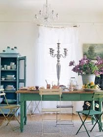 Sophisticated Home Decoration Ideas With Green Paint Combination 16