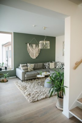 Sophisticated Home Decoration Ideas With Green Paint Combination 24