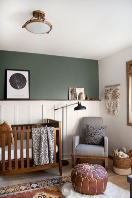 Sophisticated Home Decoration Ideas With Green Paint Combination 27