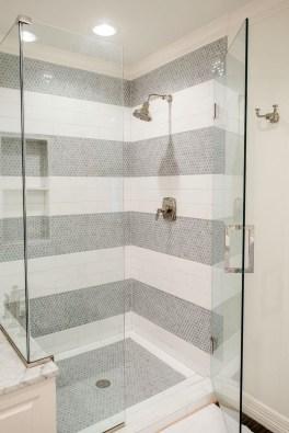 Spectacular Tile Shower Design Ideas For Your Bathroom 27