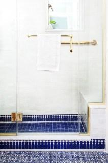 Spectacular Tile Shower Design Ideas For Your Bathroom 39