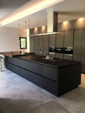 Stylish Black Kitchen Interior Design Ideas For Kitchen To Have Asap 26