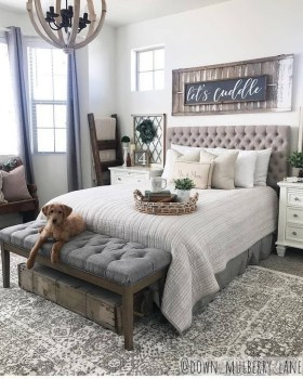 Wonderful Farmhouse Bedroom Decorating Ideas That You Need To Try 06