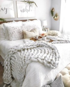 Wonderful Farmhouse Bedroom Decorating Ideas That You Need To Try 10