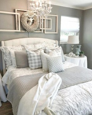 Wonderful Farmhouse Bedroom Decorating Ideas That You Need To Try 17