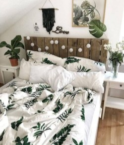 Wonderful Farmhouse Bedroom Decorating Ideas That You Need To Try 31