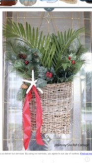 Brilliant Tropical Winter Decor Ideas That Bring Your Home Into Holiday Feel 22