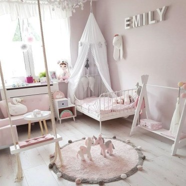 Cozy Winter Decorations Ideas For Kids Room To Have Right Now 25