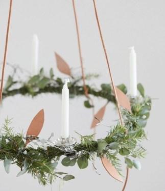Gorgeous Scandinavian Winter Wreaths Ideas With Natural Spirit 15