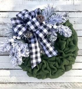 Gorgeous Scandinavian Winter Wreaths Ideas With Natural Spirit 28