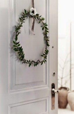 Gorgeous Scandinavian Winter Wreaths Ideas With Natural Spirit 35