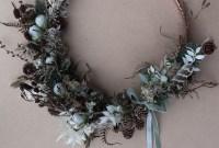 Gorgeous Scandinavian Winter Wreaths Ideas With Natural Spirit 40