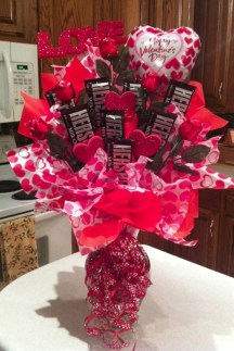 Outstanding Valentine Day Decorations Ideas That You Will Love 28