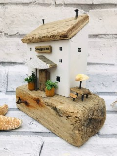 Splendid Driftwood Decor Ideas To Try Right Now 03