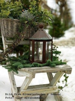 Superb Outdoor Winter Decor Ideas That Refresh Your Feel 22