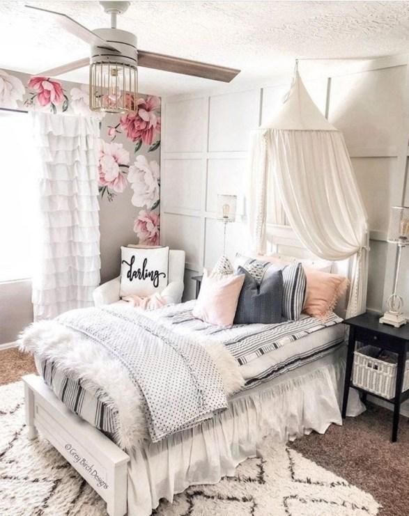 Beautiful Girl Bedroom Design Ideas That Looks So Charming 40