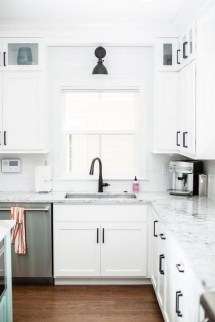 Best White Kitchen Design Ideas That You Need To Copy 22