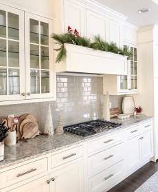 Best White Kitchen Design Ideas That You Need To Copy 29