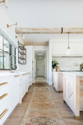 Best White Kitchen Design Ideas That You Need To Copy 33